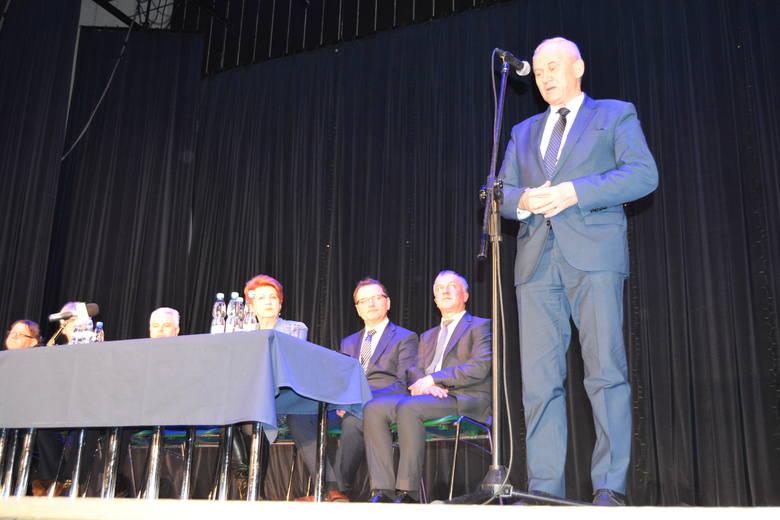 PO krytykuje, PiS broni ministra energii Krzysztofa Tchórzewskiego