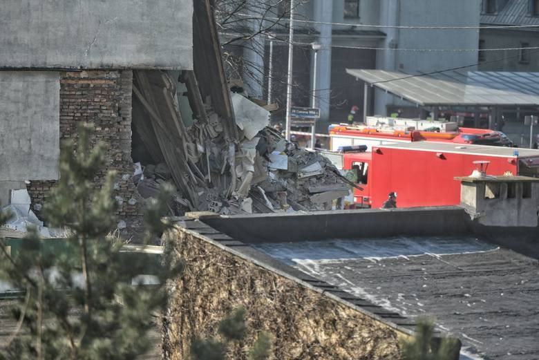 Wybuch w Poznaniu: Kolejna ofiara śmiertelna pod gruzami zawalonej kamienicy na Dębcu