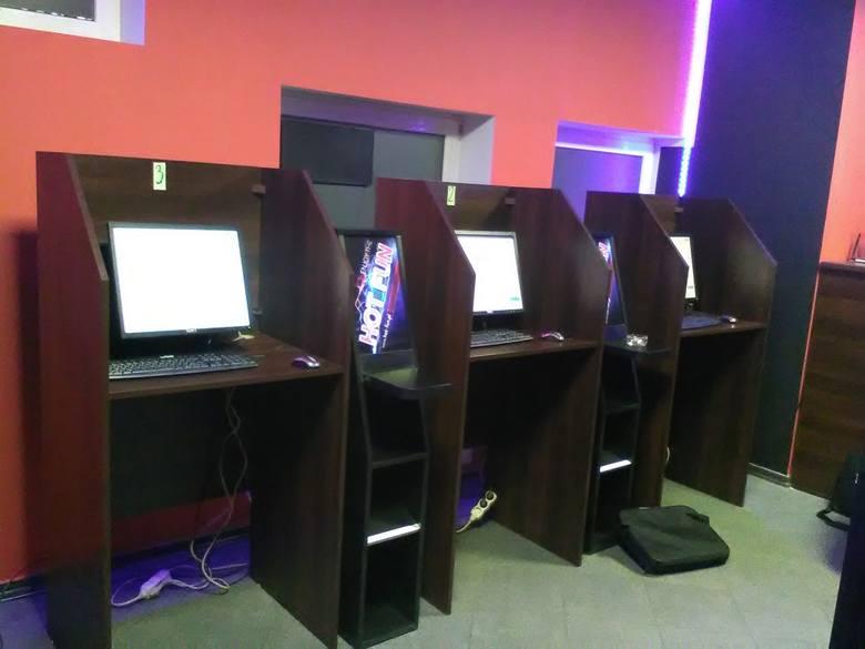 Łódzkie: Nielegalne automaty do gier ukryli w komputerach
