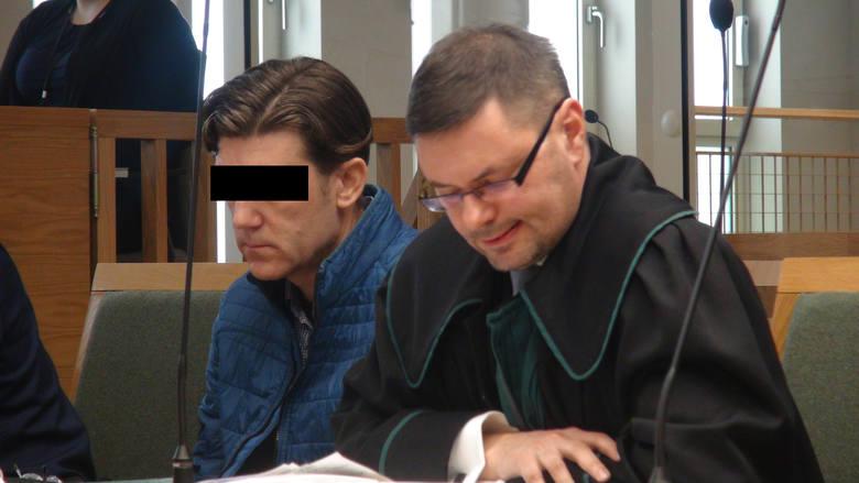 Olkusz: Ruszył proces w sprawie mężczyzny oskarżonego o próbę spalenia żony i dzieci