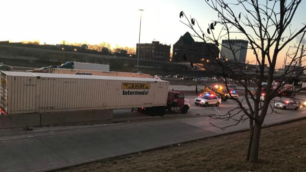 Na Dan Ryan ciężarówka śmiertelnie  potrąciła 32-letniego mężczyznę