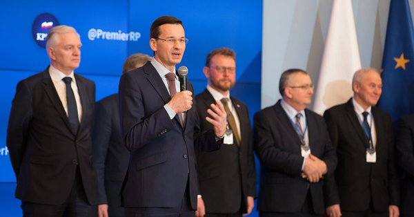 """Tweetup z udziałem premiera Mateusza Morawieckiego i członków rządu. """"Kończymy zimę dobrą i otwartą dyskusją"""""""