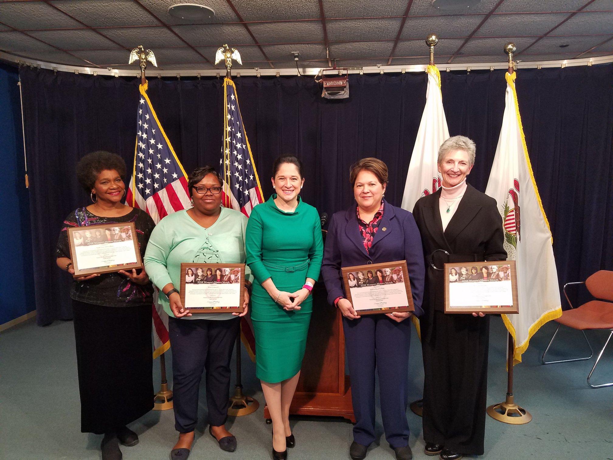 Susana Mendoza, Rewident Stanu Illinois wręczyła wyróżnienia 4. zasłuzonym kobietom