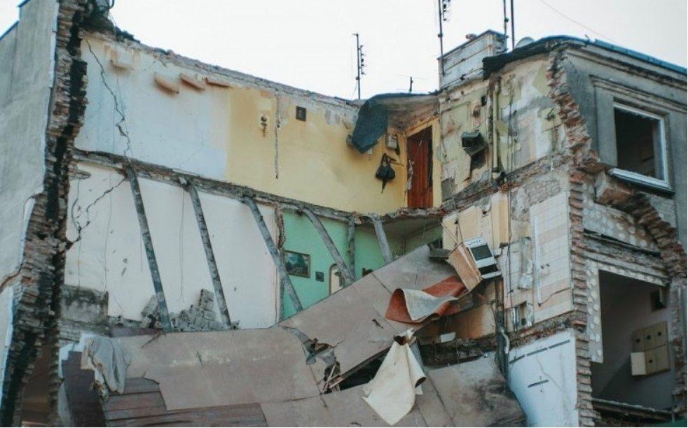 Kobieta z odciętą głową. Eksplozja kamienicy w Poznaniu próbą zatarcia śladów morderstwa?
