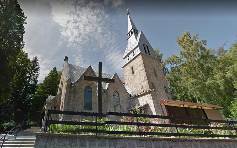 Kobieta włamała się do kościoła i podpaliła hostie. Biskup zarządził mszę przebłagalną