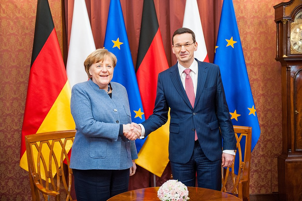 Premier Morawiecki rozmawia z kanclerz Angelą Merkel o przyszłym budżecie unijnym