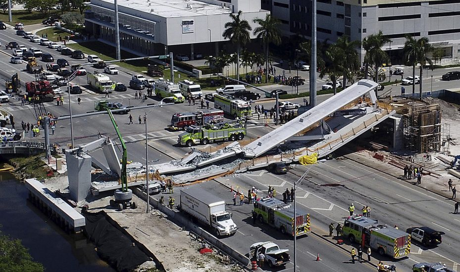 W Miami zawalił się nowo wybudowany most dla pieszych . Zginęły cztery osoby