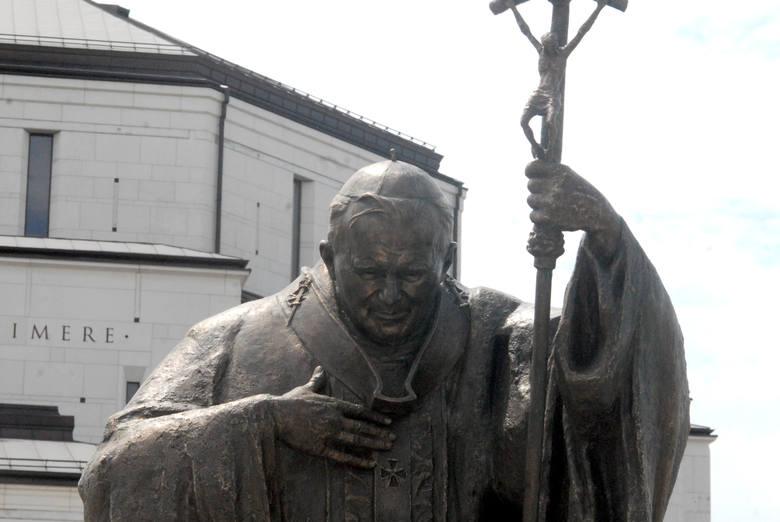Atak na Jana Pawła II w rocznicę jego śmierci. Twój Ruch Bydgoszcz przypomina o swoim istnieniu…