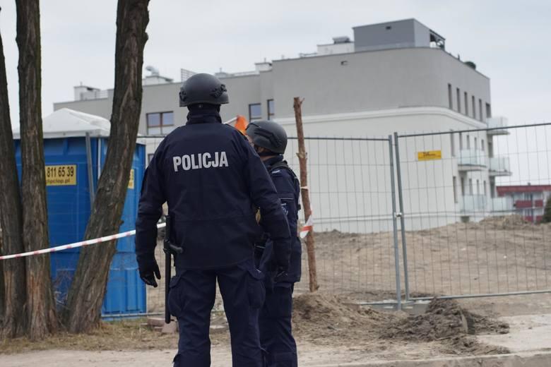 Poznań: Mężczyzna, który zabarykadował się na Inflanckiej, trafi do aresztu. Usłyszał też 6 zarzutów