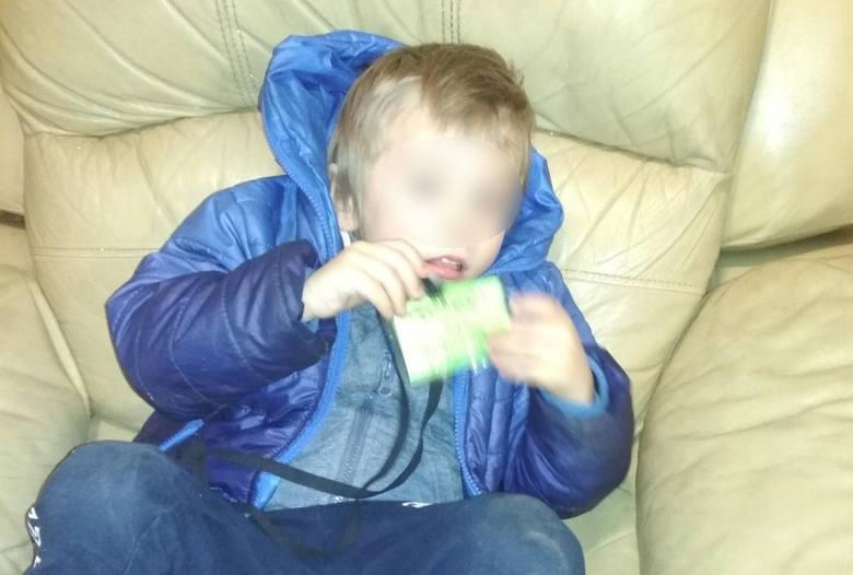 Zostawili czteroletniego synka w klatce jednego z bloków w Katowicach. Usłyszeli zarzuty