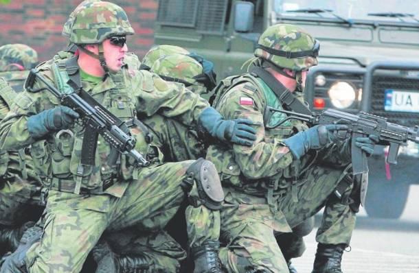 Śląskie: Warszawska firma chciała sprzedać komandosom podrobione noże za 230 tys. zł? Sprawdza prokuratura