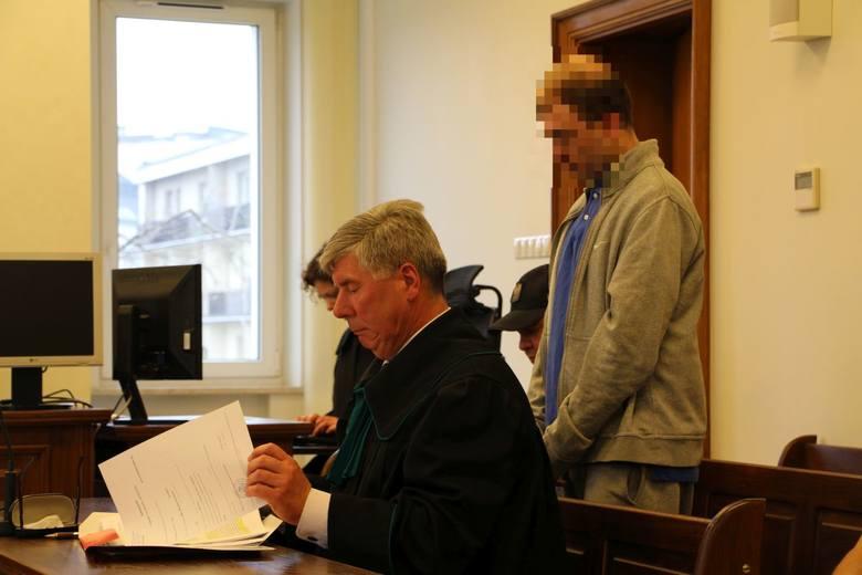 Białystok. 29-latek przed sądem. Jest oskarżony o skatowanie ojca na śmierć