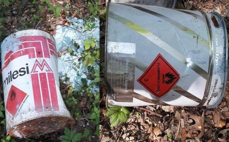 Beczki z chemikaliami w lesie pod Wadowicami. Wydział Zarządzanie Kryzysowego postawiony na nogi
