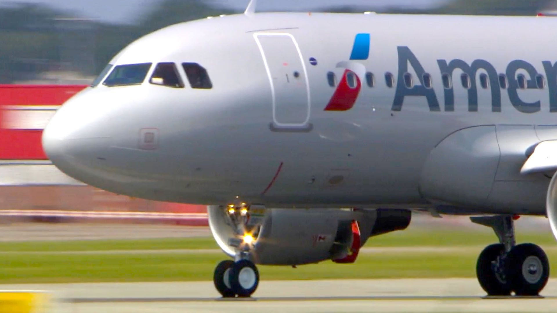 Agresywny pasażer usunięty z pokładu samolotu lecącego do Chicago