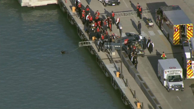 Zidentyfikowano mężczyznę, który wpadł samochodem do jeziora Michigan