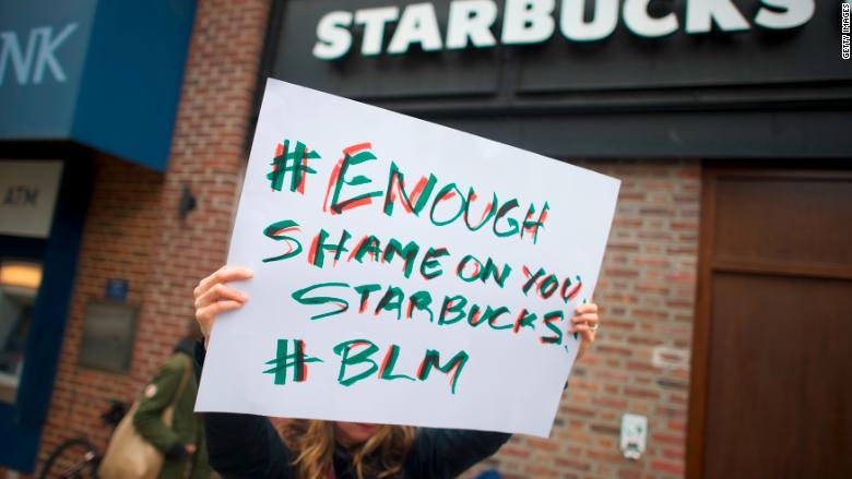 29 maja zostaną zamknięte wszystkie Starbucks w USA. Pracownicy przejdą rasowe szkolenie