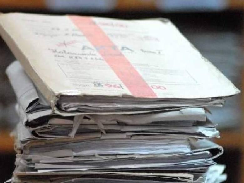Były notariusz z Kielc w rękach policji. Skazano go za pół tysiąca nielegalnych czynności notarialnych