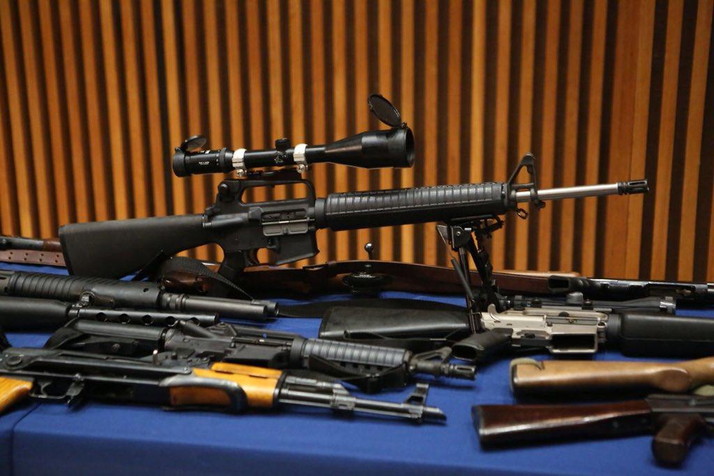 Departament policji Chicago zebrał w sobotę ponad 500 sztuk broni