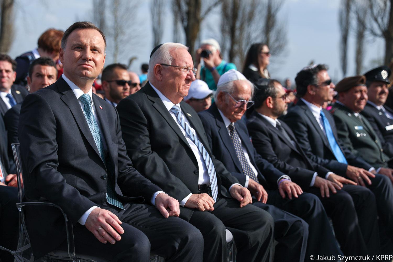 Prezydent Izraela w Oświęcimiu: Niemcy stworzyli obozy, ale nasi ludzie nie byli mordowani tylko w tych obozach