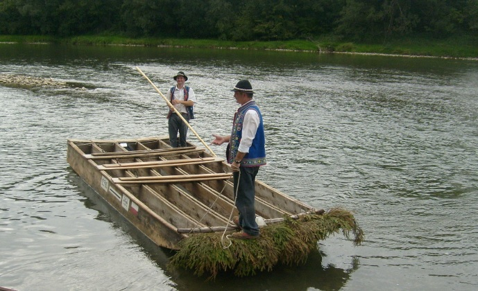 Spływy flisackie w Pieninach przyciągają turystów z całej Polski. FOTORELACJA