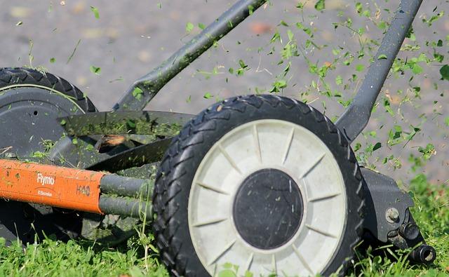 Przejechał traktorem ogrodowym po ciele. Policja wszczęła śledztwo