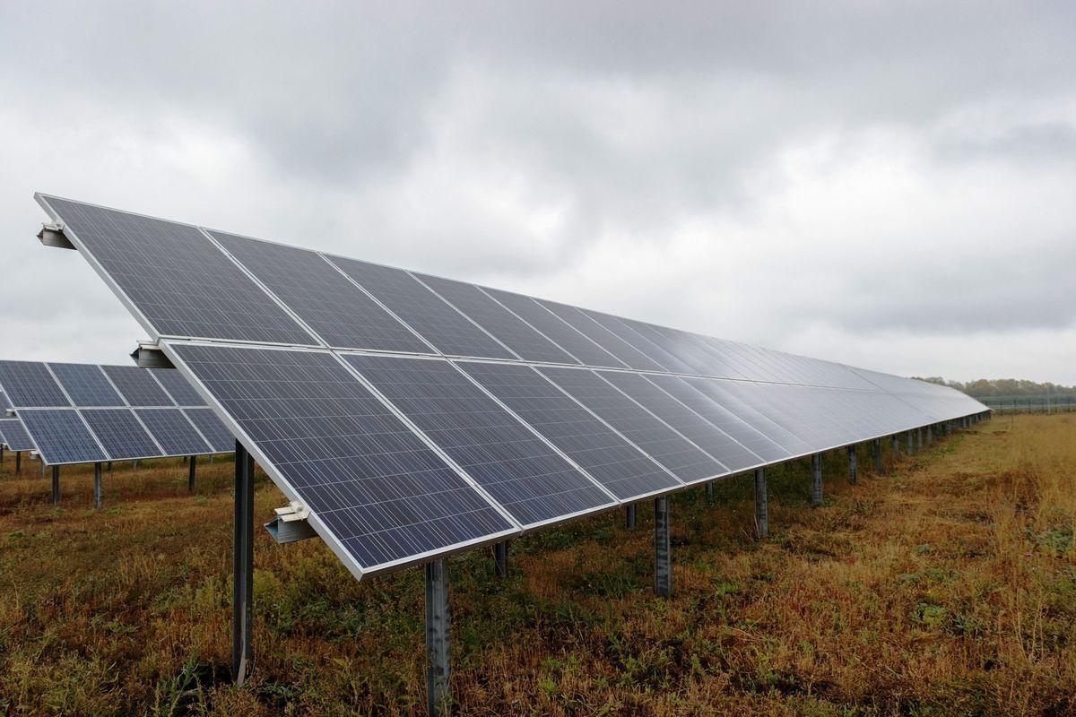 Energia plus. Panele fotowoltaiczne pojawią się także na dachach bloków?
