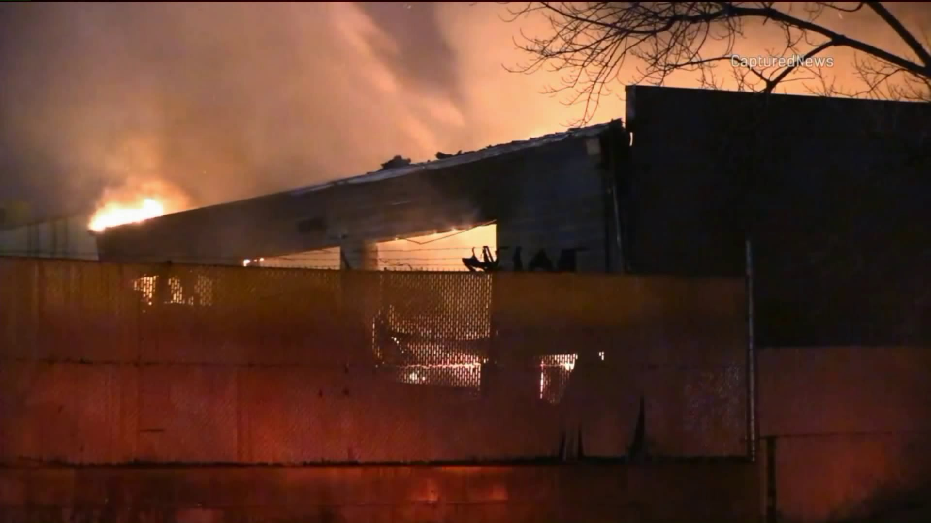 W Bridgeport spłonęła przetwórnia recyklingu