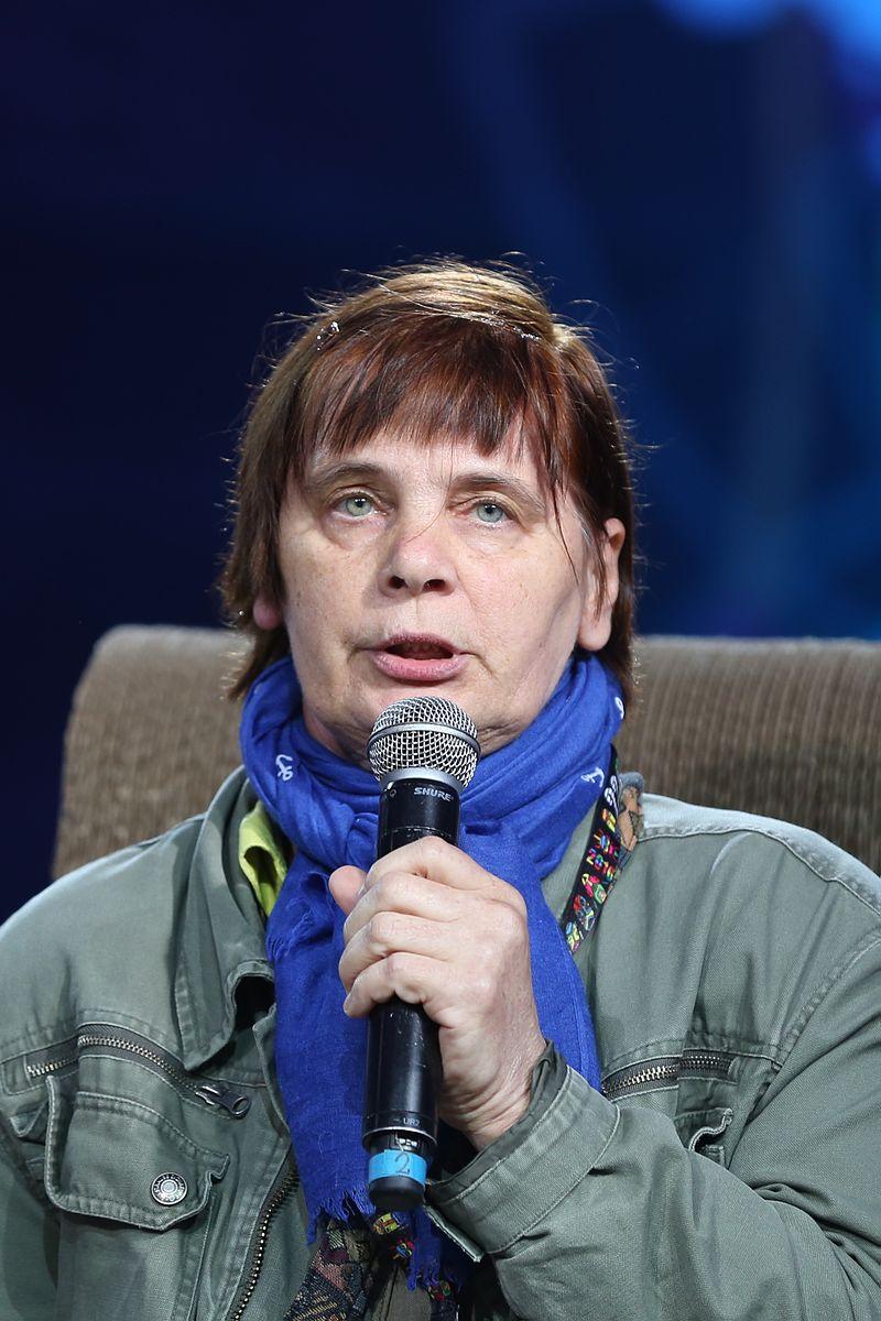 Janina Ochojska nie została wpuszczona do protestujących w Sejmie. Przyszła mediować czy wręcz przeciwnie?