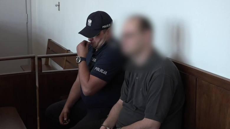 Gdynia: Rozpoczął się proces księdza oskarżonego o molestowanie harcerzy na obozie w Bieszczadach