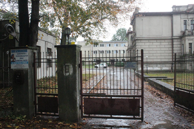 Łódzkie: Horror podopiecznych domu schronienia w Zgierzu. Fałszywy ksiądz, który prowadził dom grozy, chce poddać się karze