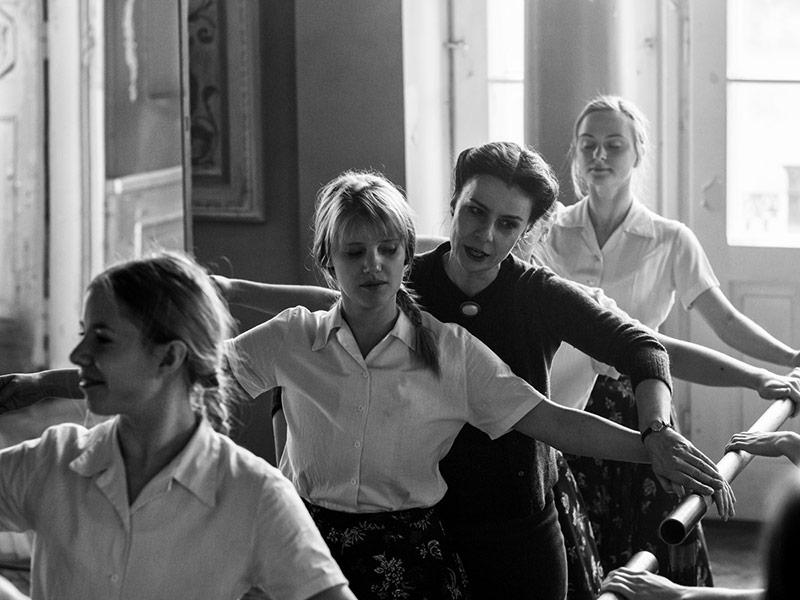 """Dziś na festiwalu filmowym w Cannes światowa premiera """"Zimnej wojny"""" – nowego filmu Pawła Pawlikowskiego"""