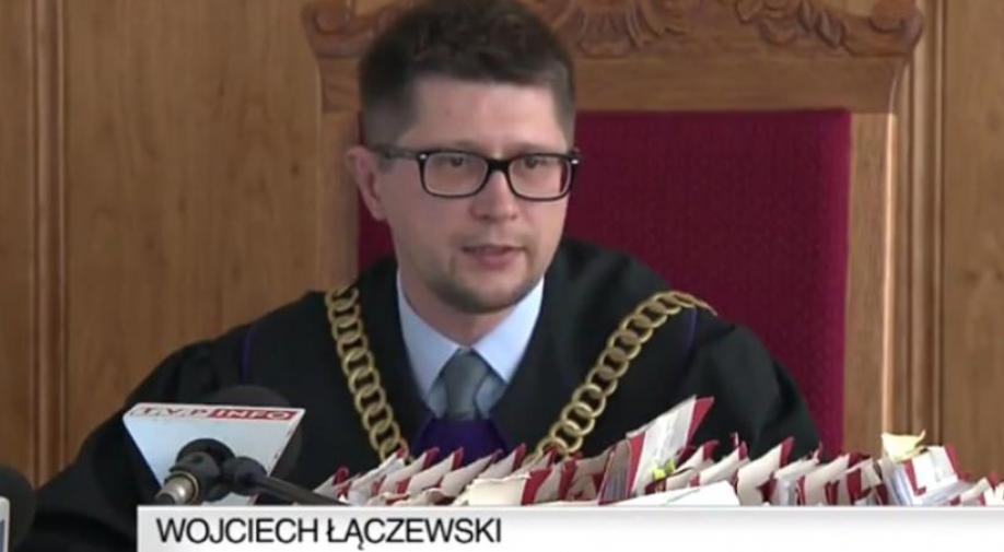 Sędzia Łączewski skłamał? Krakowska prokuratura umorzyła śledztwo ws. podszywania się pod sędziego