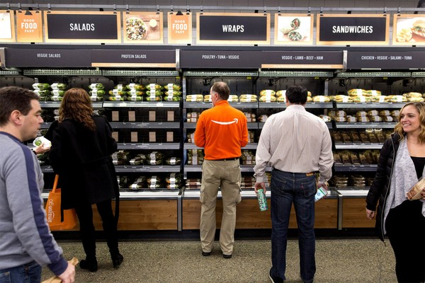 Amazon otwiera w Chicago bezgotówkowe sklepy