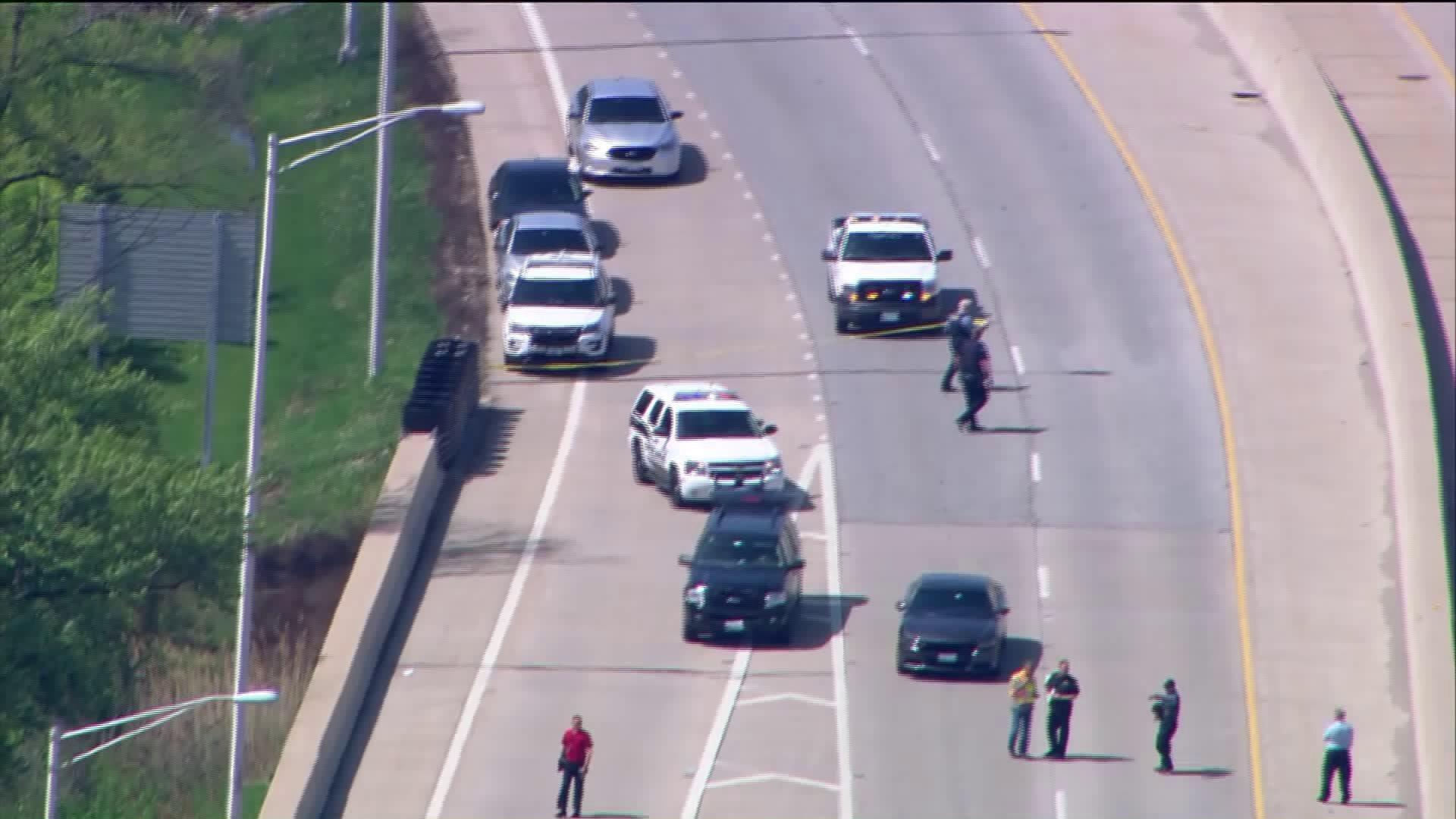 Policja w Gurnee zastrzeliła kobietę na Route 41
