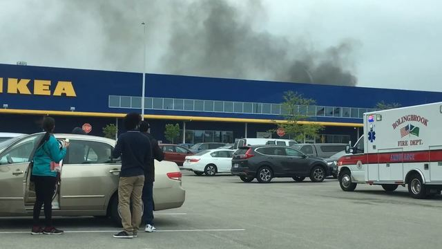 Pożar sklepu IKEA w Bolingbrook