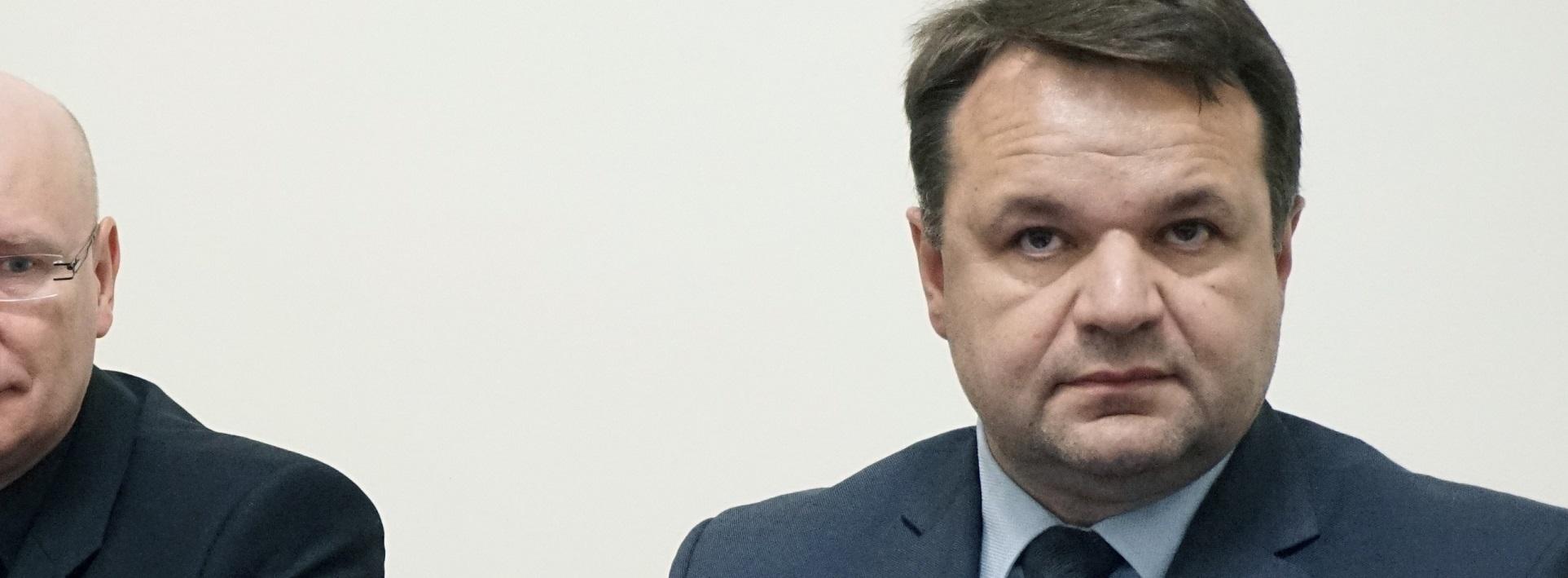 Prawie 24 miliony złotych zarobili w dwa lata radni i działacze PiS