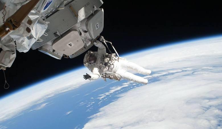 Statek kosmiczny Sojuz-M11 połączył się ze Międzynarodową Stacją Kosmiczną