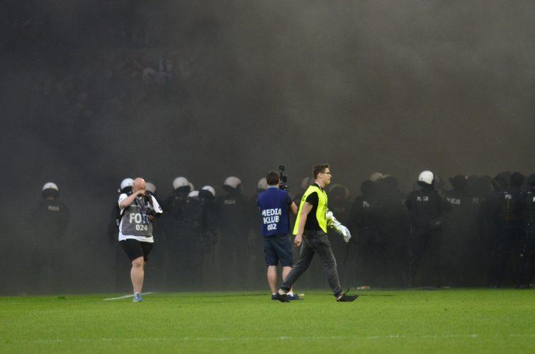 Poznań: Zarzuty dla zatrzymanych pseudokibiców