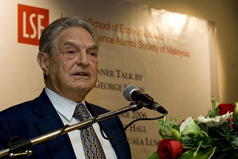 Fundacja amerykańskiego miliardera George'a Sorosa opuszcza Węgry. Powód?