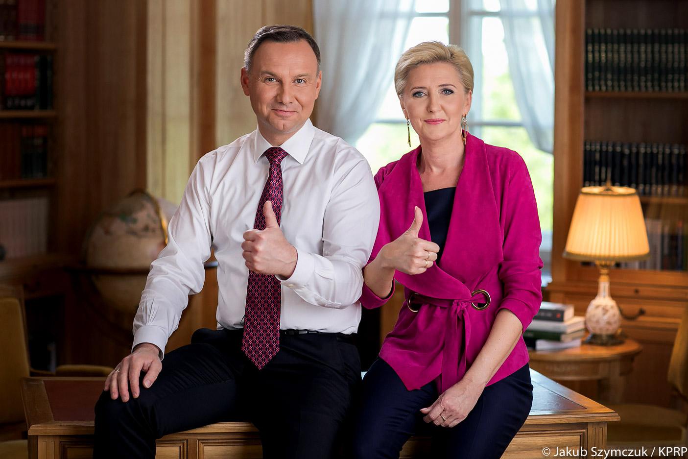 """Para Prezydencka złożyła życzenia maturzystom. """"Jesteśmy z Wami i trzymamy za Was kciuki!"""""""