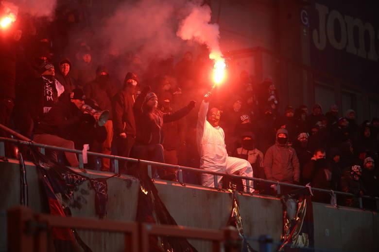 BEZPIECZEŃSTWO: Na meczach Ekstraklasy musi być jak na reprezentacji [WYWIAD]