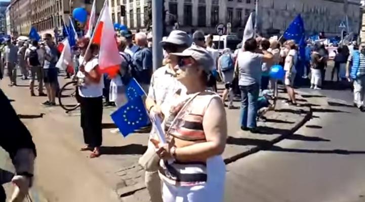 Marsz Wolności: Urzędnicy Gronkiewicz-Waltz – 90 tys. uczestników. Policja – 12 tysięcy…