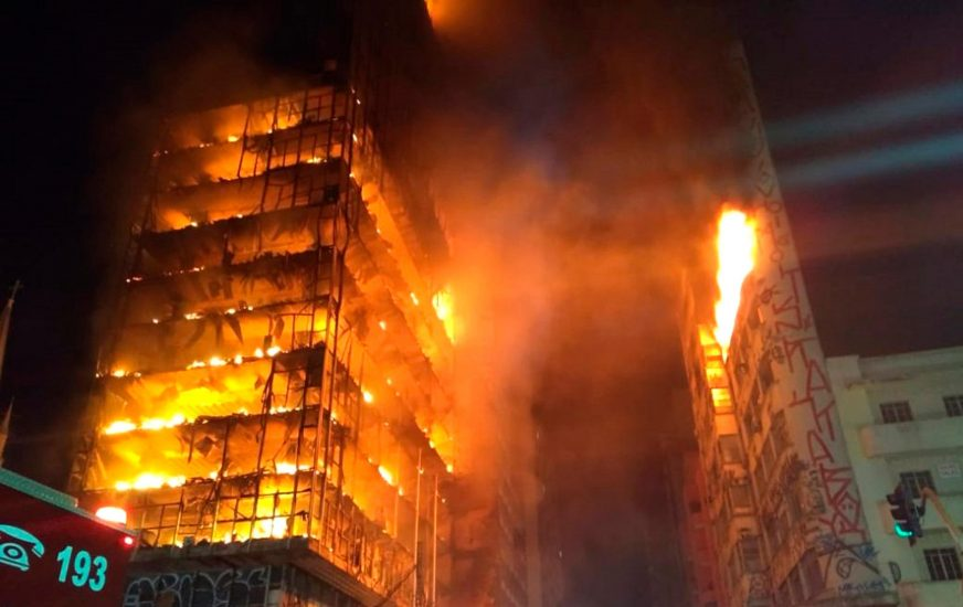 W Sao Paulo runął płonący budynek. Uciekaliśmy z piekła, mówili lokatorzy