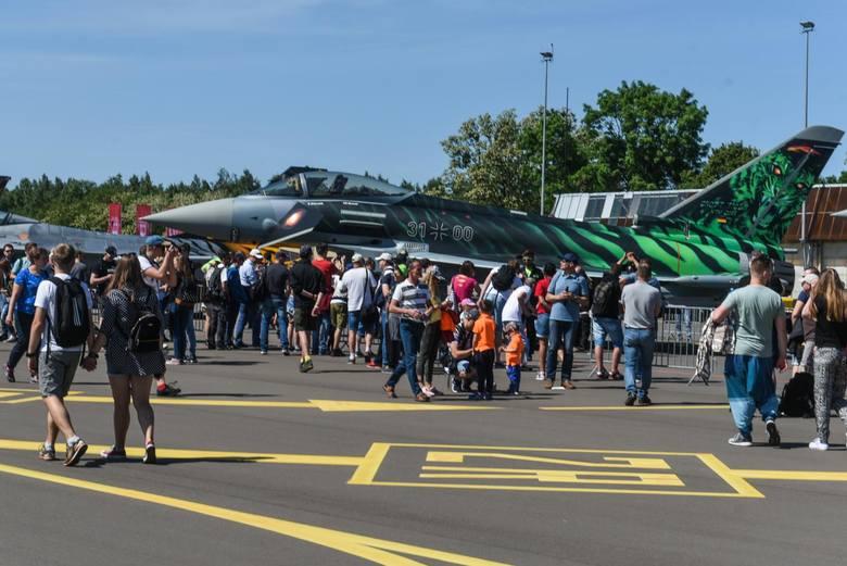 Niezwykłe pokazy, rodzinna atmosfera i pokazy akrobatyczne pilotów: Poznań Air Show 2018 przyciągnął 70 tysięcy widzów z całej Polski!