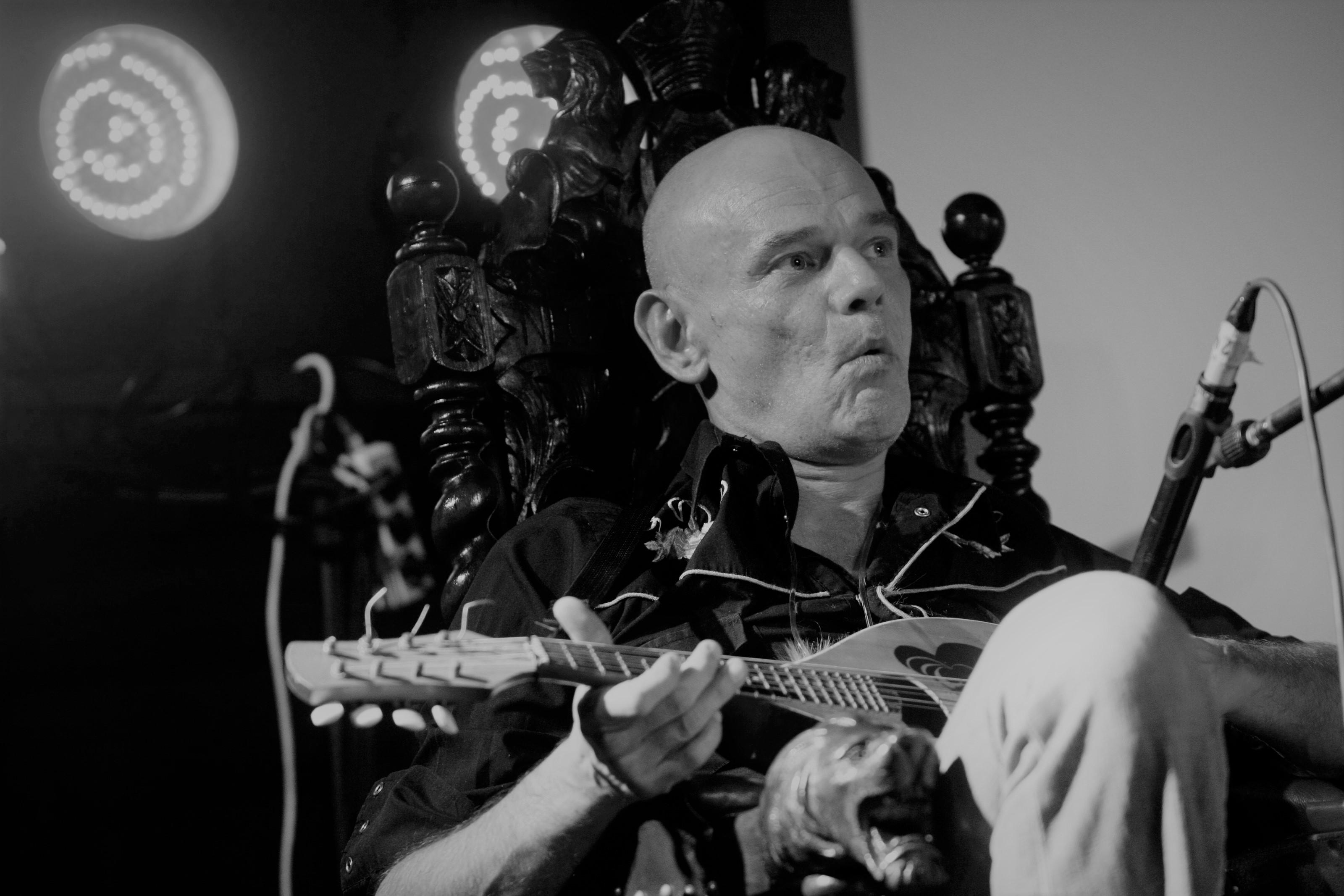 Akt oskarżenia przeciwko sprawcy śmiertelnego pobicia muzyka Roberta Brylewskiego