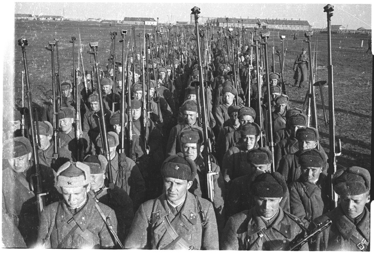 """Rosja publikuje dokumenty z okresu II wojny światowej. """"To przedziwna sytuacja"""""""