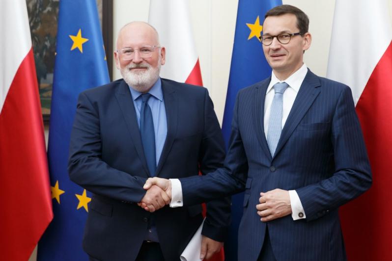 Spotkanie premiera Morawieckiego z wiceszefem Komisji Europejskiej Fransem Timmermansem. Jest postęp?