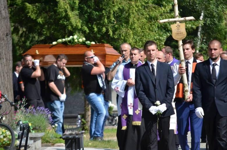 """Brat zmarłego radnego Pawła Chruszcza z Głogowa. """"Nie wierzę w jego samobójstwo"""""""