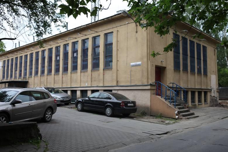 Kraków: Wyburzyli zabytek, a teraz budują mieszkania niezgodnie z prawem?