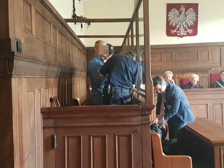 """Śląsk: Pociął młode kobiety rozbitą butelką: Musi to być zatem solidne """"lanie penitencjarne"""""""